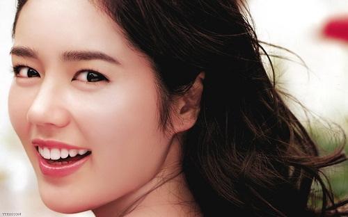 Phẫu thuật nâng mũi Hàn Quốc giúp bạn tự tin hơn (hình minh họa)
