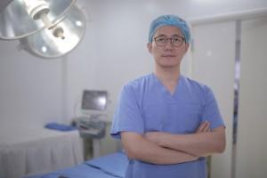 So sánh nâng mũi S-line Dr. Park và nâng mũi bọc sụn thông thường