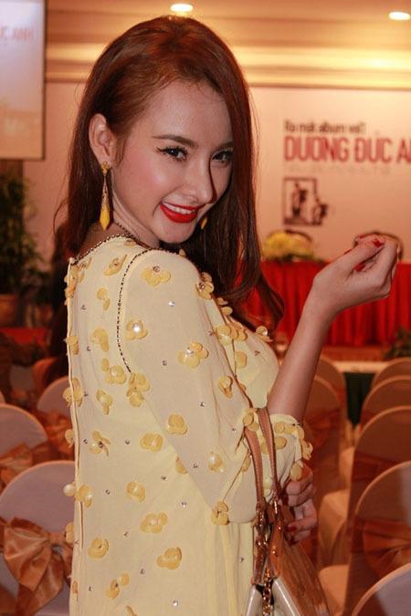 Angela-Phuong-Trinh-nang-mui