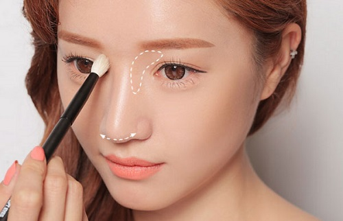 Sử dụngkỹ thuật trang điểm là cách làm mũi cao nhanh nhất
