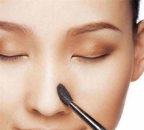 Khi nào nên make up sau phẫu thuật nâng mũi?
