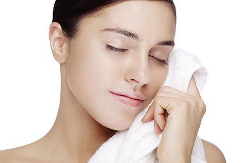 Tìm hiểu: Nâng mũi sau bao lâu thì được rửa mặt, đeo kính, trang điểm? 2